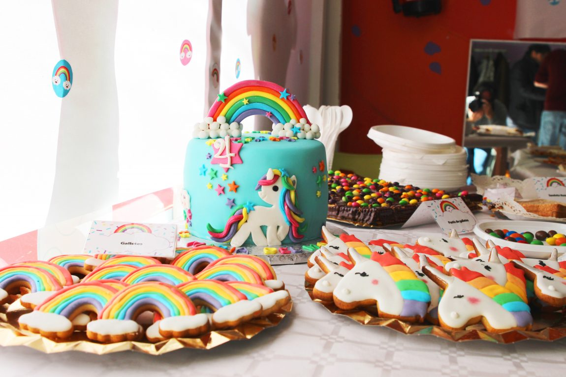 fiesta unicornios y arco iris